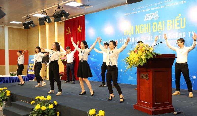 Thể dục tập thể tại Hội nghị đại biểu người lao động Công ty mẹ - Tổng công ty năm 2019